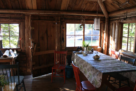 The main room in Laughing Brook cabin